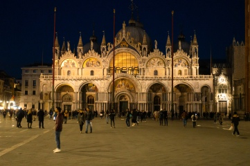 Basilica of St. Mark at night